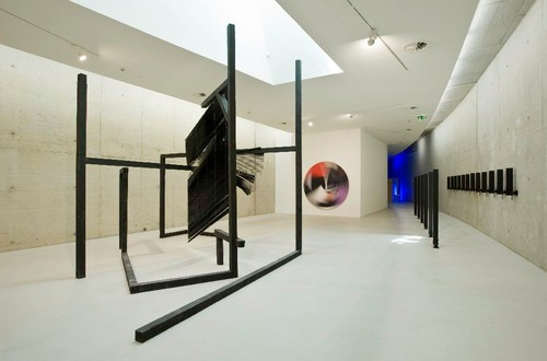 <i>Installation view, KIT Düsseldorf, Düsseldorf, Germany, 2009</i>,       <br />             <br />