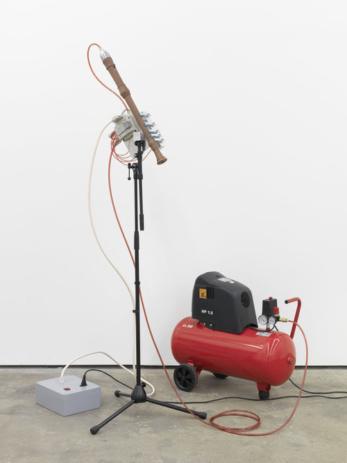 <i>Stairway to heaven</i>,       2010<br />      Wooden flute, electronic device, compressor, aluminium machine,        140 x 100 x 90 cm<br />