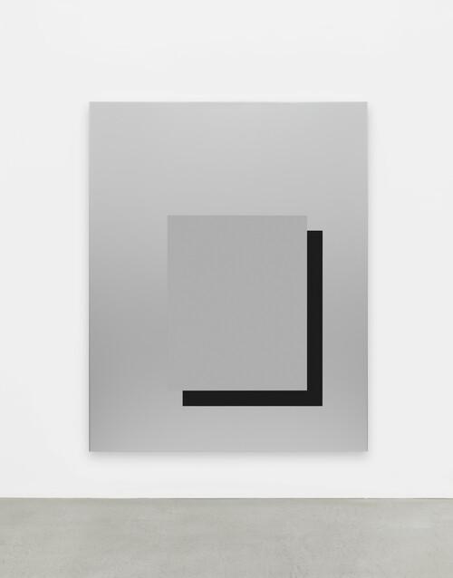 <i>set 569</i>,       2020<br />      lacquered aluminum,        250 x 200 x 11,8 cm<br />