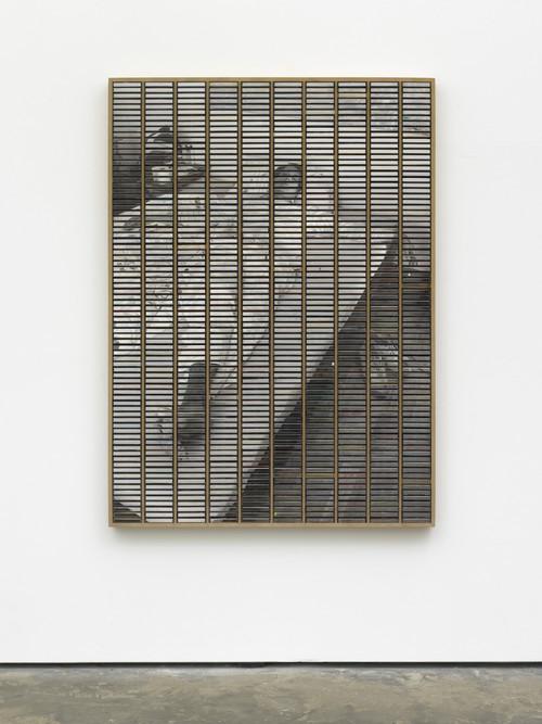 »Im Zimmer die Decke betrachtend«,       2018<br />      ink jet print, inlays and plastic boxes in wooden case,        170 x 125 cm<br />
