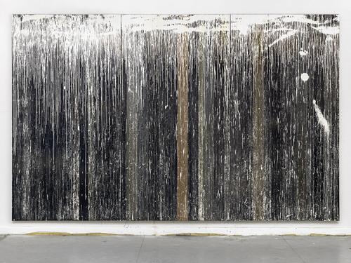 <i>Es ist ein Stoppelfeld in das ein weißer Regen fällt</i>,       2015<br />              303 x 480 cm<br />