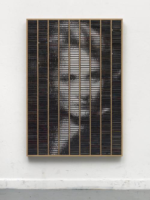 »Marlene gespiegelt im Kasten«,       2015<br />      ink jet print, inlays and plastic boxes in wooden case,        160 x 112 cm<br />