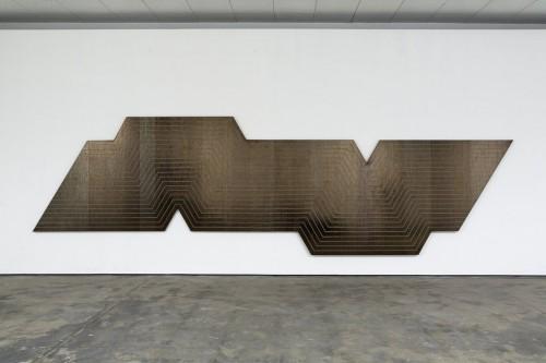 »Stella Bild (de la nada vida a la nada muerte)«, 2010<br />Mini dv tape on canvas, 215 x 744 cm<br />