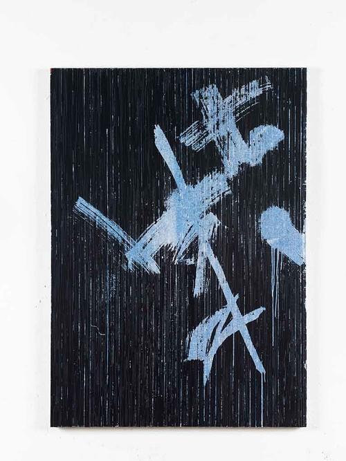 <i>(Von unerhörten Küssen naß) Vom Frost eisweißer Nacht zerrissen (Nach B. Brecht)</i>,       2014<br />      cassette tape and acrylic paint on canvas,        129 x 92 cm<br />