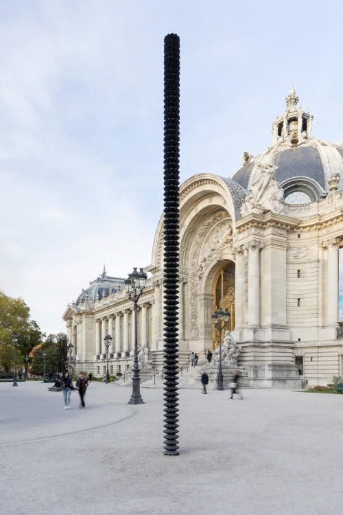 »Säule«, 2018<br />bronze, h=800, Ø 27 cm<br />Installation view, Petit Palais, Paris, France