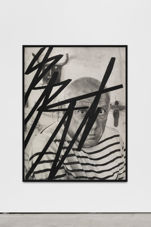 »Killing Pablo #10(B)«,       2015<br />      pencil on paper,        150 x 115 cm<br />