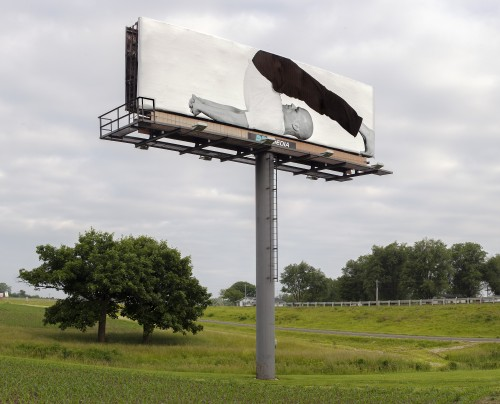 »Plow Pose«, 2015<br />Installation on 170 outside St. Louis, Missouri<br />