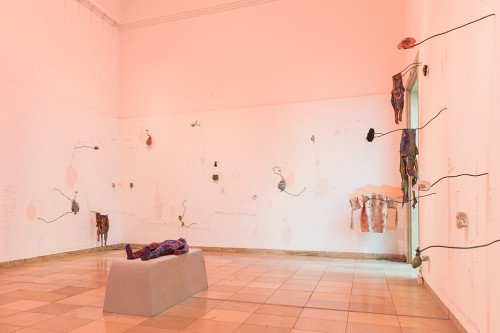 "»WOMB TOMB«, 2014/ 2018<br />mixed media installation, various dimensions<br />Installation view ""Blind Faith: Between the Visceral and the Cognitive in Contemporary Art"", Haus der Kunst, Munich, Germany, 2018. Photo: Max Geutler"