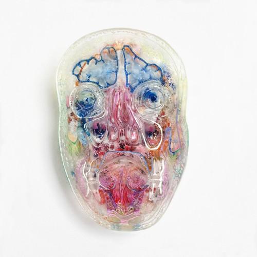»Mask (Kopfschnitt / toxout)«, 2015<br />polyurethane, pigment, 22 x 14 x 2.5 cm<br />