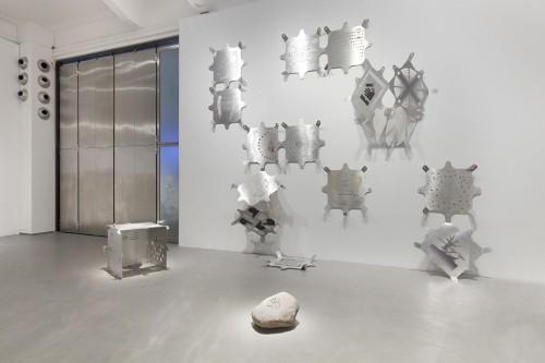 "»Modular Glyphic System«, 2013 / 2017<br />Mariechen Danz in collaboration with Genghis Khan Fabrication Co.<br />Installation view ""Artificial Tears"", Vienna Biennale , MAK Museum für Angewandte Kunst, Vienna, Austria, 2017 Photo: Aslan Kudrnofsky"