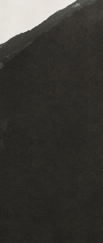 <i>Silhouette 1</i>,       2019<br />      Pigment Print,        100 x 42 cm<br />