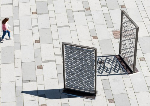 »Screen I–III«,       2016<br />      Cobblestones, steel frames, stainless steel grid; 310 x 150 x 15 cm,        Installation, Kunstplatz Graben, Vienna, Austria, 2016 (Photo by Iris Ranziger)<br />