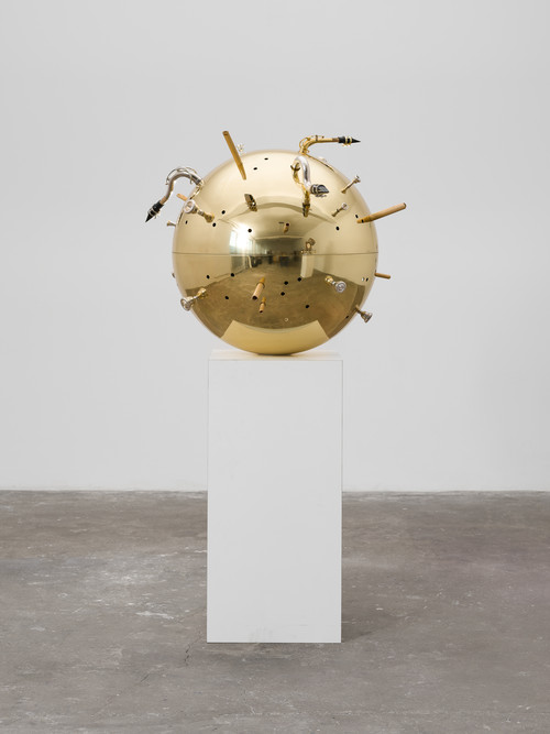 <i>Resonator Wind</i>,       2019<br />      brass, bamboo cane, mouthspieces of different wind instruments, various metals,        80 x 100 x 100 cm<br />