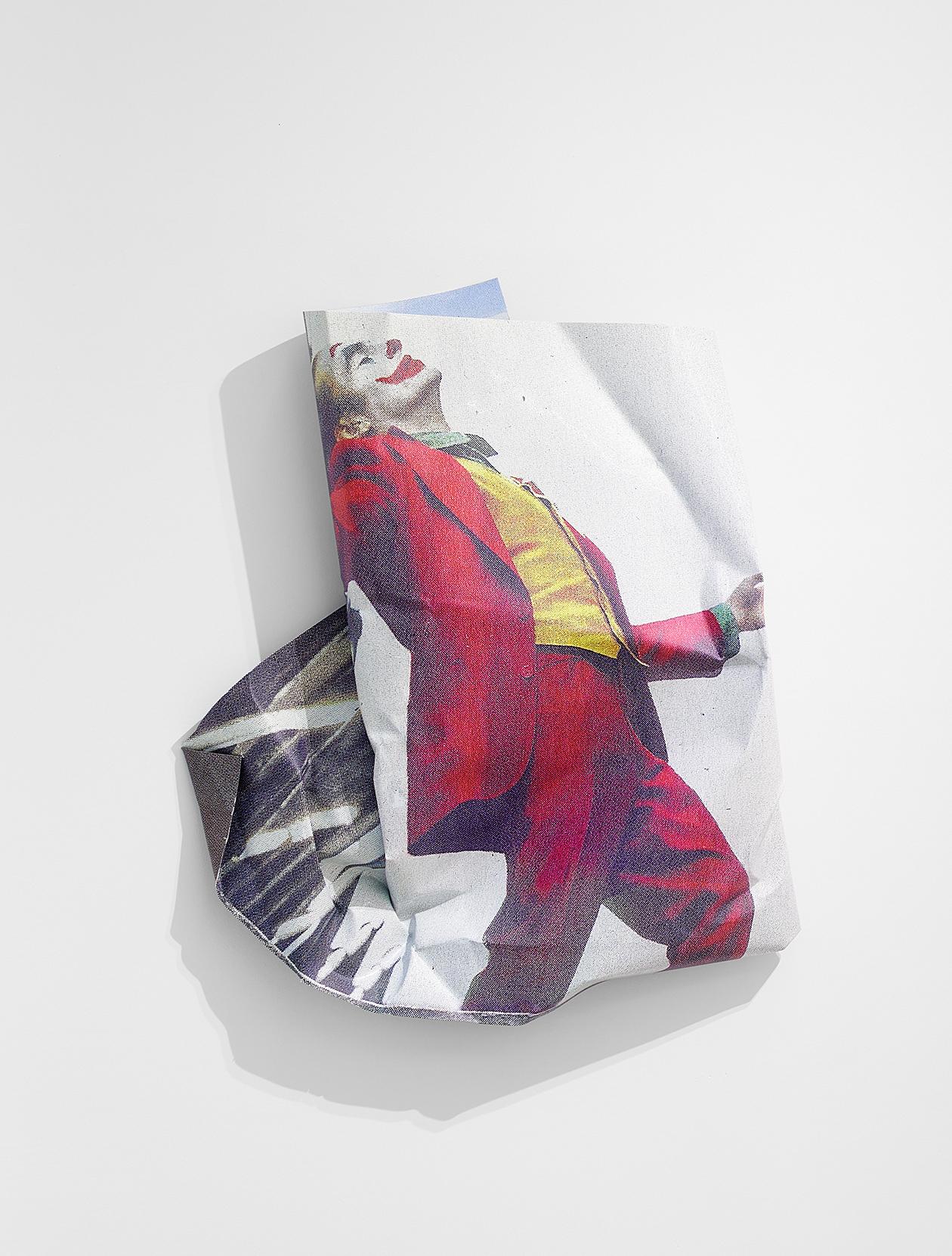 <i>Joker</i>,       2020<br />      aluminium, stainless steel, digital print,        127 x 110 x 20 cm<br />