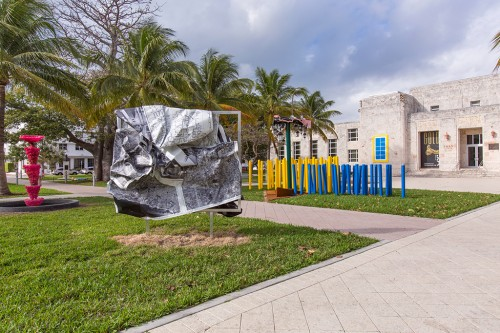 »b/w-L. A.«,       2014<br />             <br />      Installation view Art Basel Miami Beach / Art Public, Bass Museum of Art, Miami, USA, 2014/15