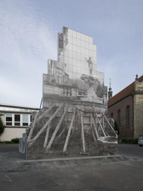 »sculpture«, 2017<br />steel, alu-DiBond sheets, tiles (sculpture); wood, pigmented jesmonite (bar), 760 x 680 x 565 cm<br />Installation view, Skulptur Projekte Münster, Münster, Germany, 2017
