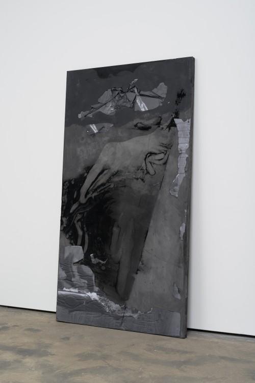»DUO 7«, 2014<br />jesmonite, pigment, paper, 215 x 116 x 5 cm<br />