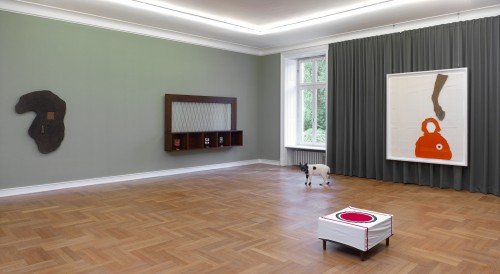 »homey«, works from 1981-2013<br /><br />Installation View Museum Morsbroich / Leverkusen, Germany, 2013
