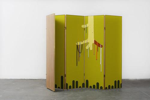 <i>Gürtelbaum (Paravent)</i>,       2014<br />      felt, wood, brass,        182 x 252 x 3 cm<br />