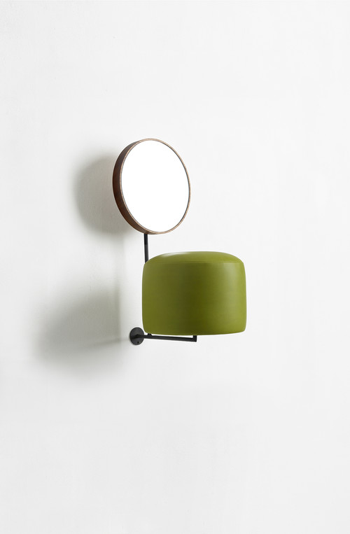 <i>HdL (green)</i>,       2014<br />      iron, wood, mirror, leather,        55 x 25 x 36 cm<br />