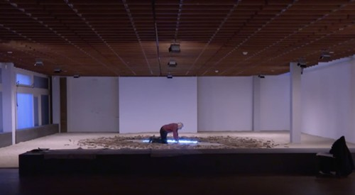 »Timm Ulrichs: Der Totalkünstler I arte tv«, <br /><br />etzt erhält der Ausnahmekünstler anlässlich seines 80. Geburtstags den Käthe-Kollwitz Preis für sein Lebenswerk und gleich zwei Ausstellungen in Berlin.