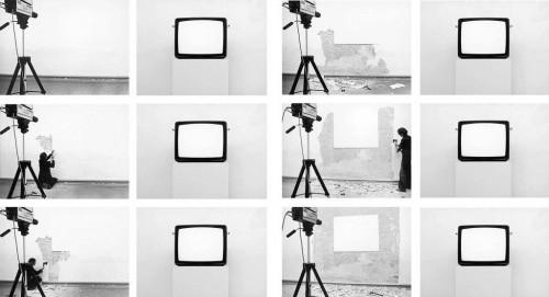 »Von der Blindheit der Bilder (I): In Betrachtung des weißen Fleckes (About The Blindness of Pictures (I): Viewing The Blank Areas)«,       1981<br />      Photo,        17 x 23 cm<br />
