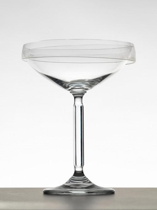 »Saturnische Getränke«, 2015<br />broken glass on glass, 14.9 x 11.5 cm<br />