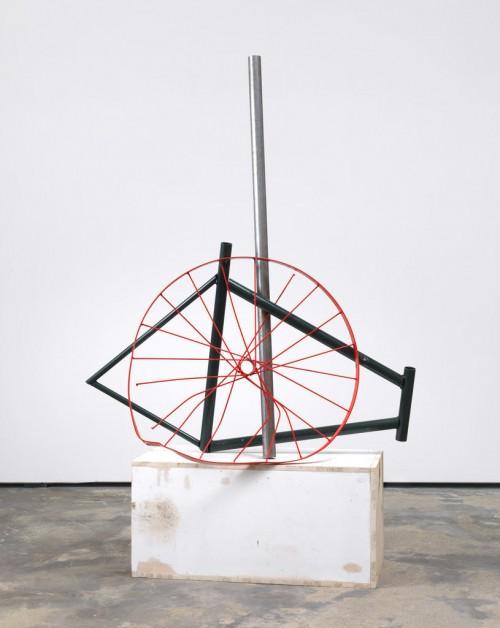 »Strippen in full colour«, 2009<br />wood, metal, spraypaint, 160 x 97 x 40 cm<br />