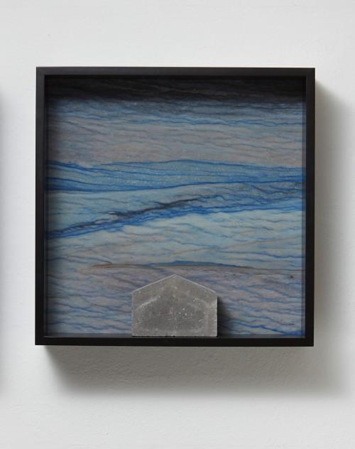 »Versteinerter Himmel XVII, (Petrified Sky XVII)«, 1983/2015<br />Granite, marble, MDF, concrete cobblestone, 60 x 60 x 15 cm<br />