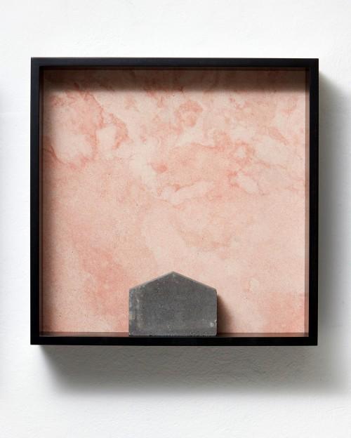 »Versteinerter Himmel XXIII, (Petrified Sky)«, 1983/2015<br />Granite, marble, MDF, concrete cobblestone, 60 x 60 x 15 cm<br />