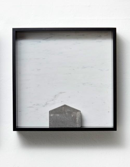 »Versteinerter Himmel XXII, (Petrified Sky)«, 1983/2015<br />Granite, marble, MDF, concrete cobblestone, 60 x 60 x 15 cm<br />