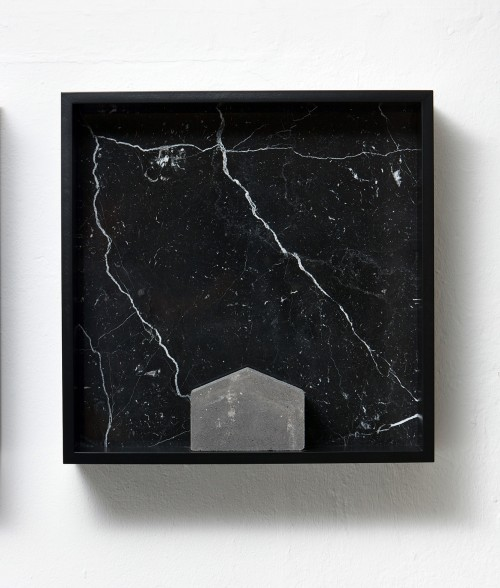 »Versteinerter Himmel XV, (Petrified Sky XV)«, 1983/2015<br />Granite, marble, MDF, concrete cobblestone, 60 x 60 x 15 cm<br />