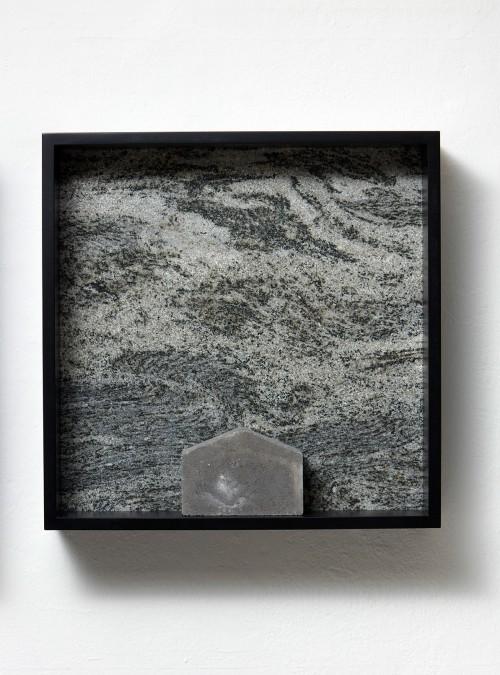 »Versteinerter Himmel XXVI, (Petrified Sky XXVI)«, 1983/2015<br />Granite, marble, MDF, concrete cobblestone, 60 x 60 x 15 cm<br />