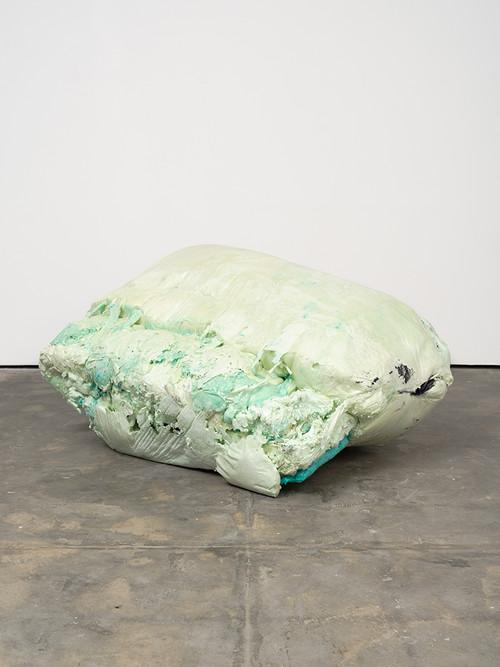 <i>DUO 2</i>, 2014<br />jesmonite, pigments, cement, polyurethane foam, 95 x 200 x 140 cm<br />