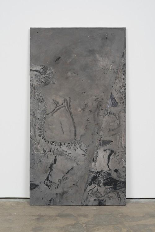 »DUO 9«, 2014<br />jesmonite, pigment, paper, 215 x 116 x 5 cm<br />