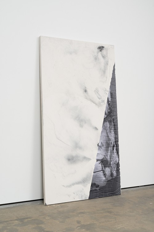 »DUO 10«, 2014<br />jesmonite, pigment, paper, 215 x 116 x 5 cm<br />alternate view