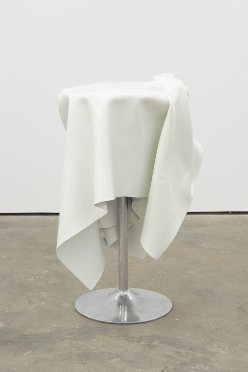 <i>Flying Buffet III</i>, 2014<br />Powder coated steel, 120 x 0 Ø 95 cm<br />