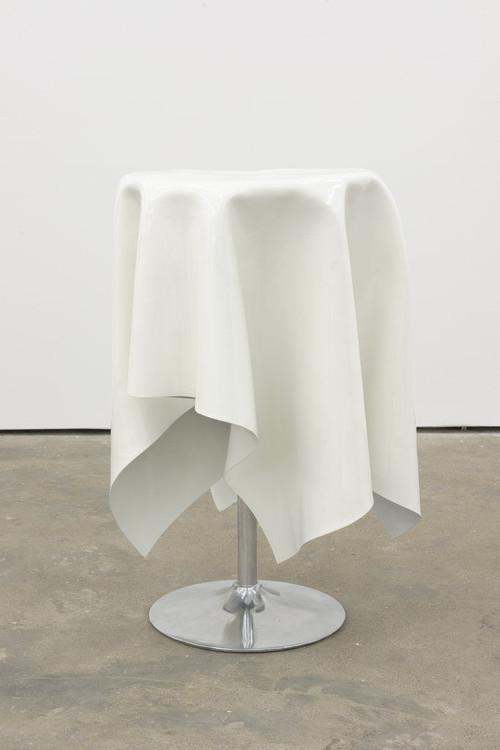 <i>Flying Buffet I</i>, 2014<br />Powder coated steel, 110 x 0 Ø 75 cm<br />