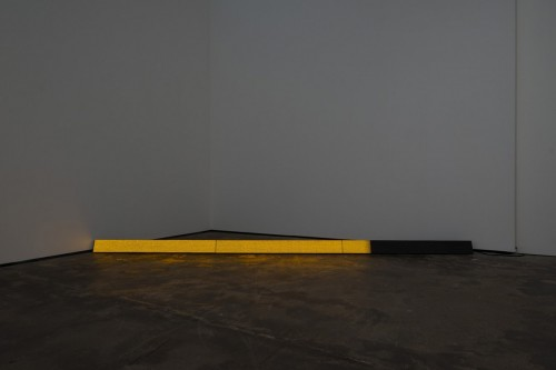 »Day«, 2012<br />LED, 12 x 366 cm<br />