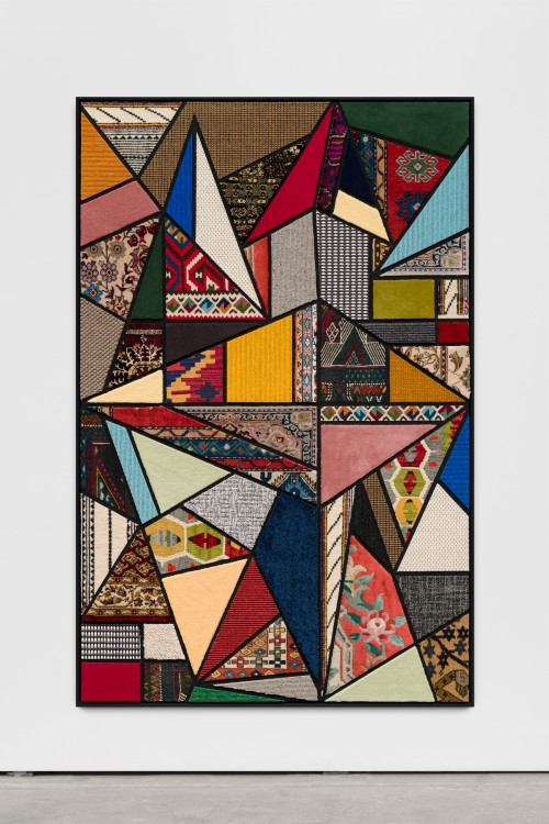 »Social Fabric, hang-glide«, 2018<br />carpet pieces on wood, 172 x 116 x 6 cm<br />