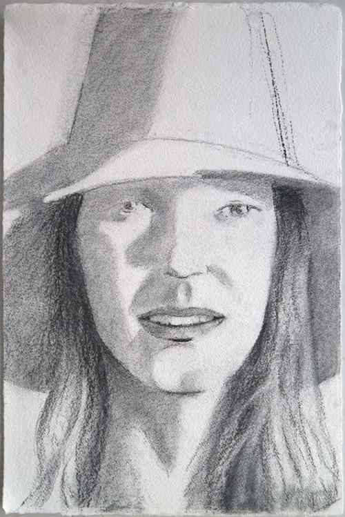 ALEX KATZ<br /><i>Red Hat (Sunrise) (Sunshine)</i>, 2013<br />charcoal on paper, 58 x 38 cm<br />