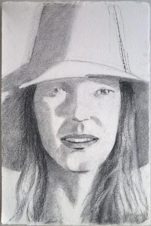 ALEX KATZ<br />»Red Hat (Sunrise) (Sunshine)«, 2013<br />charcoal on paper, 58 x 38 cm<br />