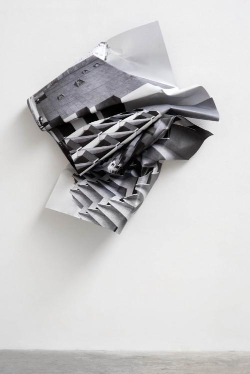 »Whitney«, 2016<br />aluminium, stainless steel, digital print, 168 x 150 x 32 cm<br />
