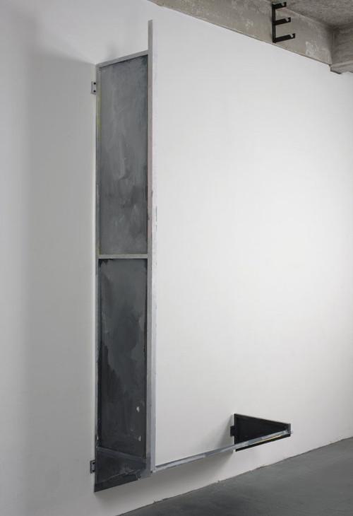 SCOTT MYLES<br /><i>Upside Down Awning</i>, 2008<br />aluminium, acrylic, 290 x 142 x 54 cm<br />