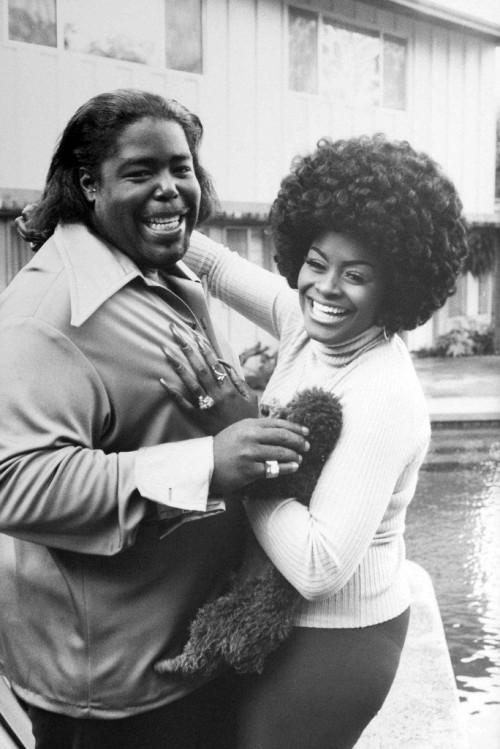 »Barry White and his wife at home in Los Angeles«, 1974<br />vintage photo, 25 x 17 cm<br />