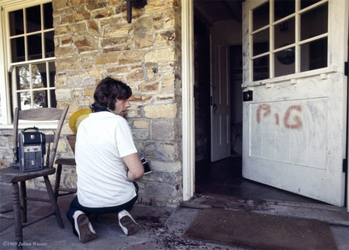 »Roman Polanski at the murder house«, 1969/2012<br />glycee print, 34 x 48 cm<br />