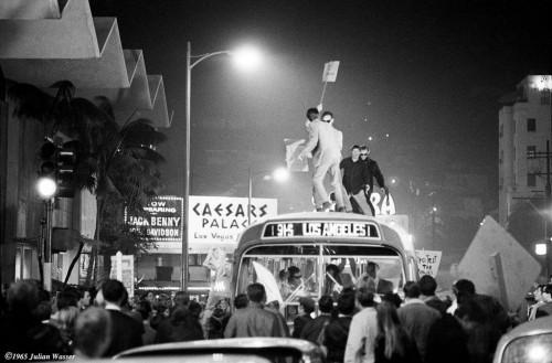 »Sunset Strip Riots MTA Bus«, 1966/2012<br />glycee print, 34 x 48 cm<br />