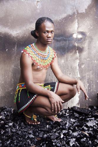 <i>From the series Beulahs: Ms Le Sishi I Glebelands, Durban, Jan 2010</i>, 2010<br />C-print, 86,5 x 60,5 cm<br />